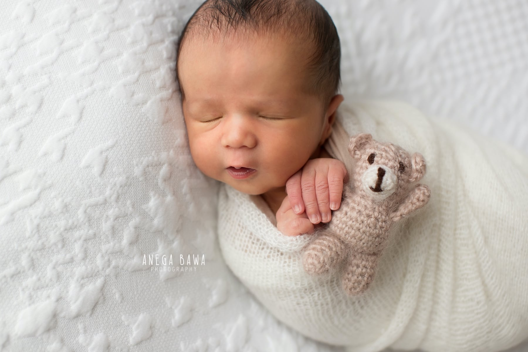white newborn photography delhi 18 days baby boy photoshoot gurgaon anega bawa