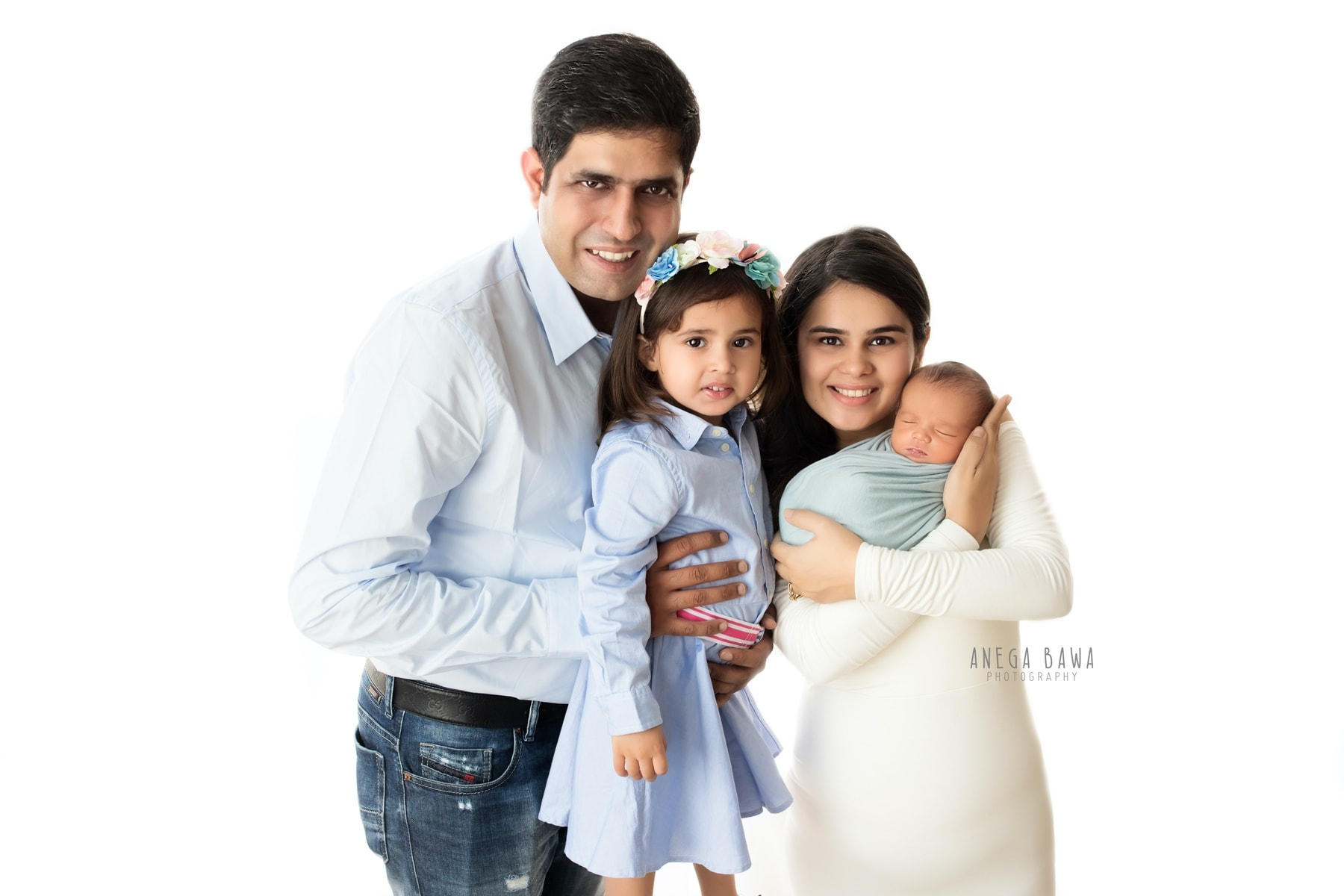 white blue family photography delhi 11 days newborn photoshoot gurgaon anega bawa