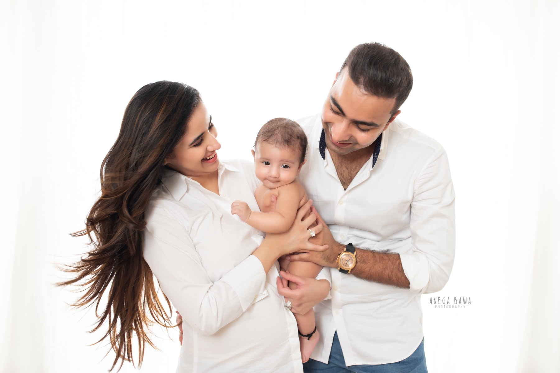 white family photography delhi 4 months baby boy photoshoot gurgaon anega bawa