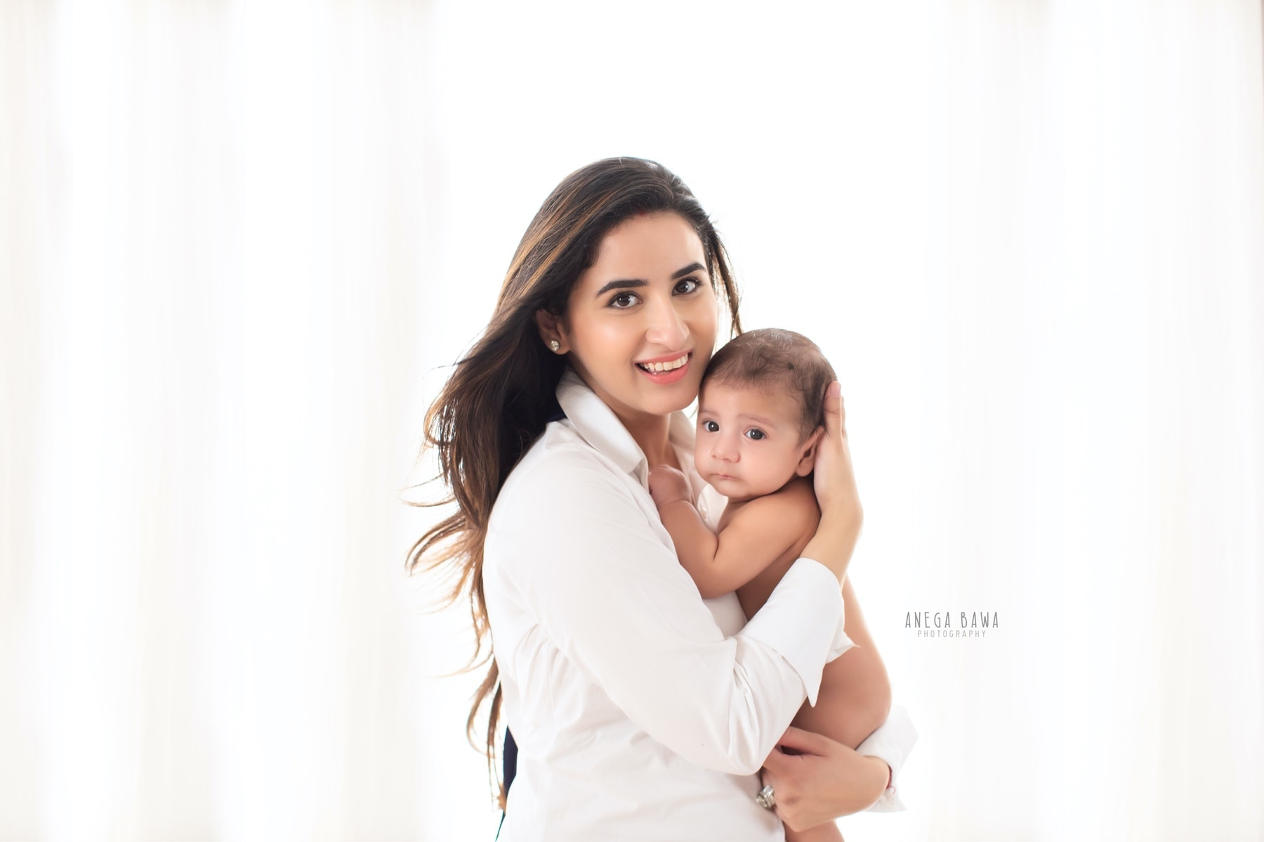 white mother and baby photography delhi 4 months baby boy photoshoot gurgaon anega bawa