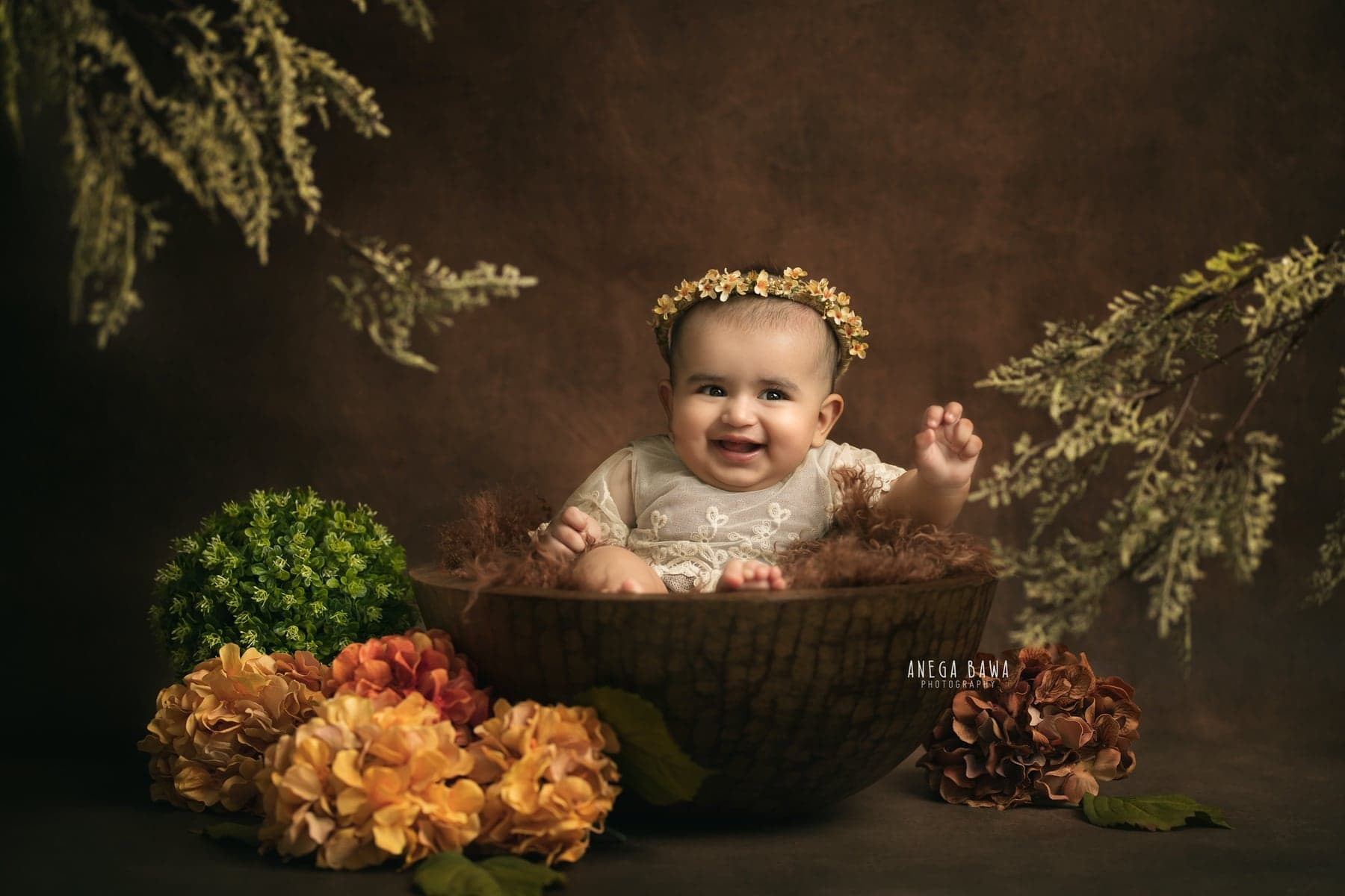 242115-brown-background-green-floral-baby-photography-delhi-5-6-7-months-baby-photoshoot-gurgaon-anega-bawa