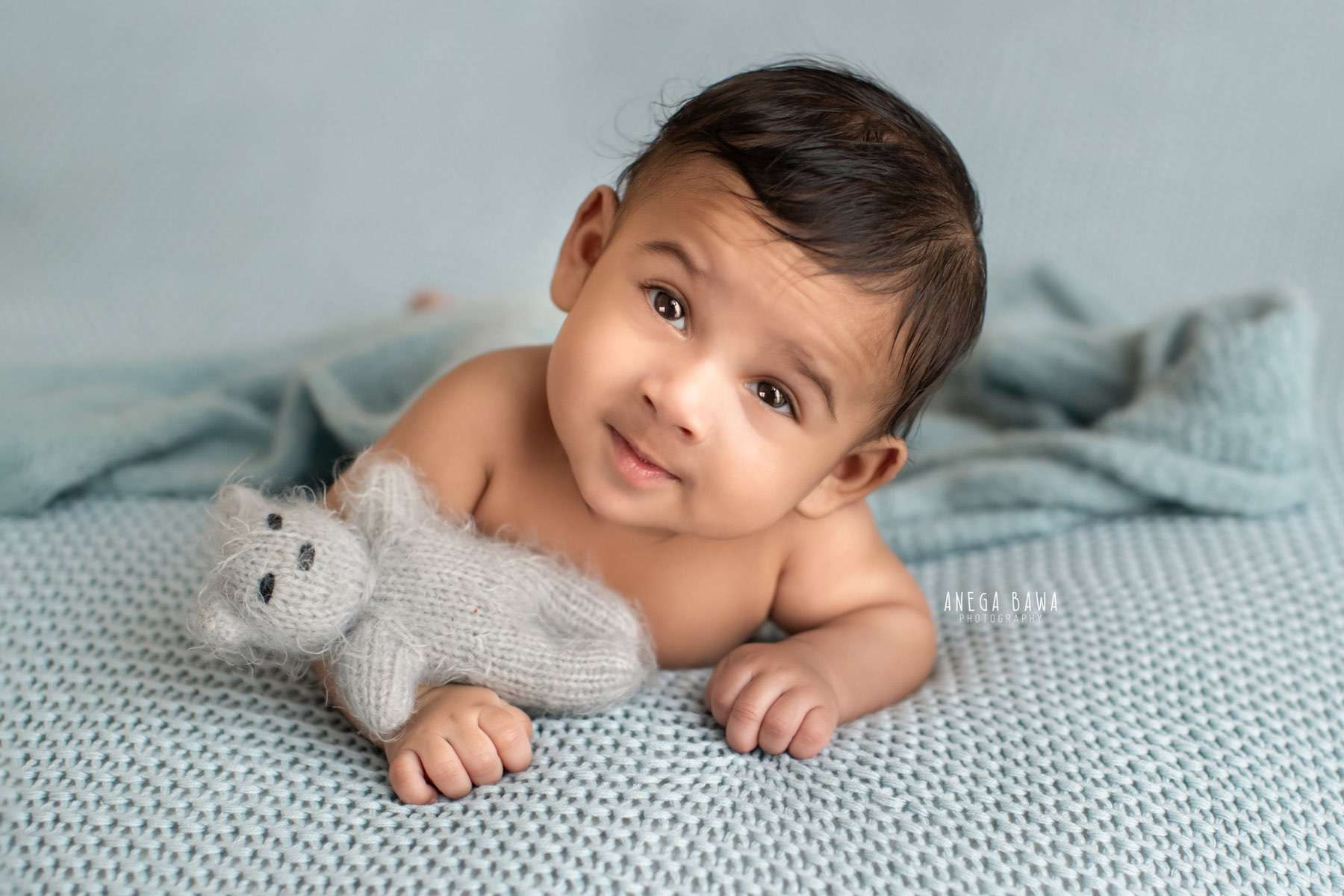 249905-blue-background-baby-photography-delhi-4-5-6-7-months-baby-photoshoot-gurgaon-anega-bawa