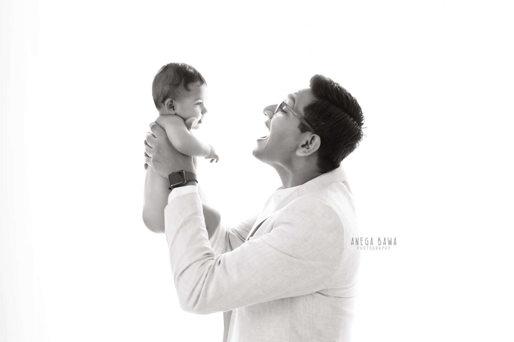 249912-black-and-white-father-and-baby-photography-delhi-4-5-6-7-months-baby-photoshoot-gurgaon-anega-bawa