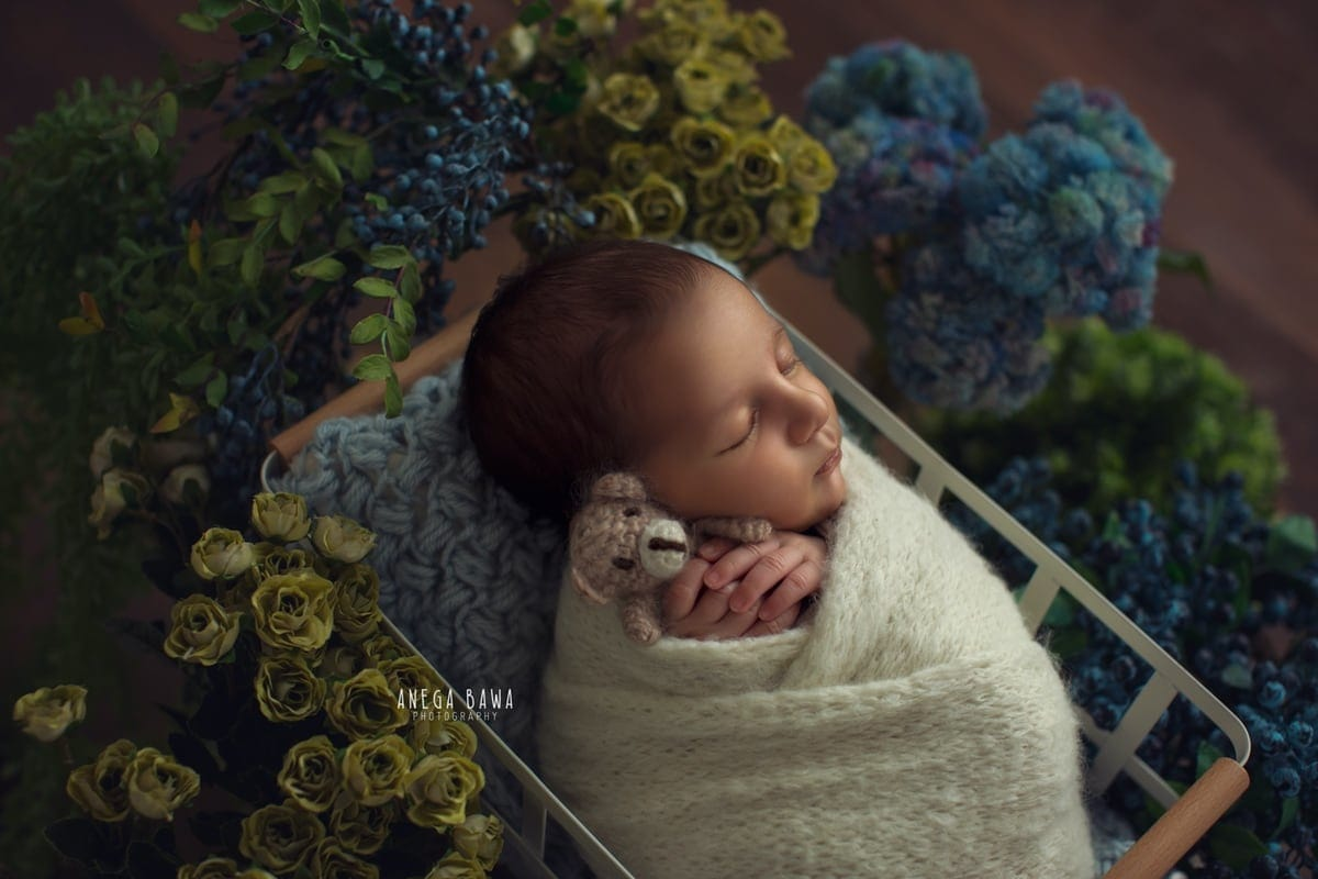 245102-floral-background-white-wrap-biege-teddy-newborn-photography-delhi-16-days-baby-photoshoot-gurgaon-anega-bawa
