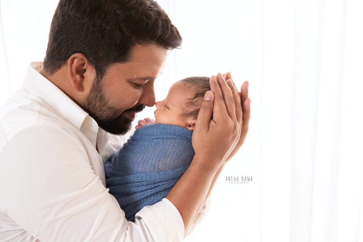 248004-white-background-father-and-newborn-photography-delhi-10-days-baby-photoshoot-gurgaon-anega-bawa