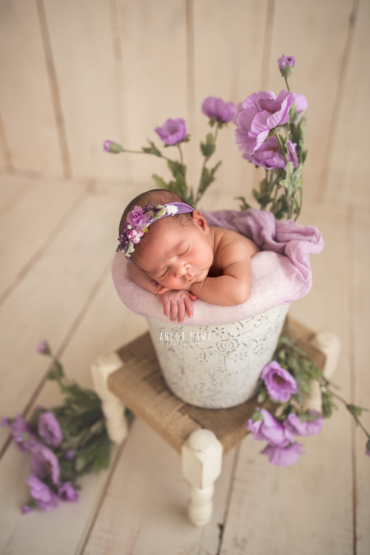 248602-light-wooden-background-purple-floral-lavender-newborn-photography-delhi-20-days-baby-boy-photoshoot-gurgaon-anega-bawa