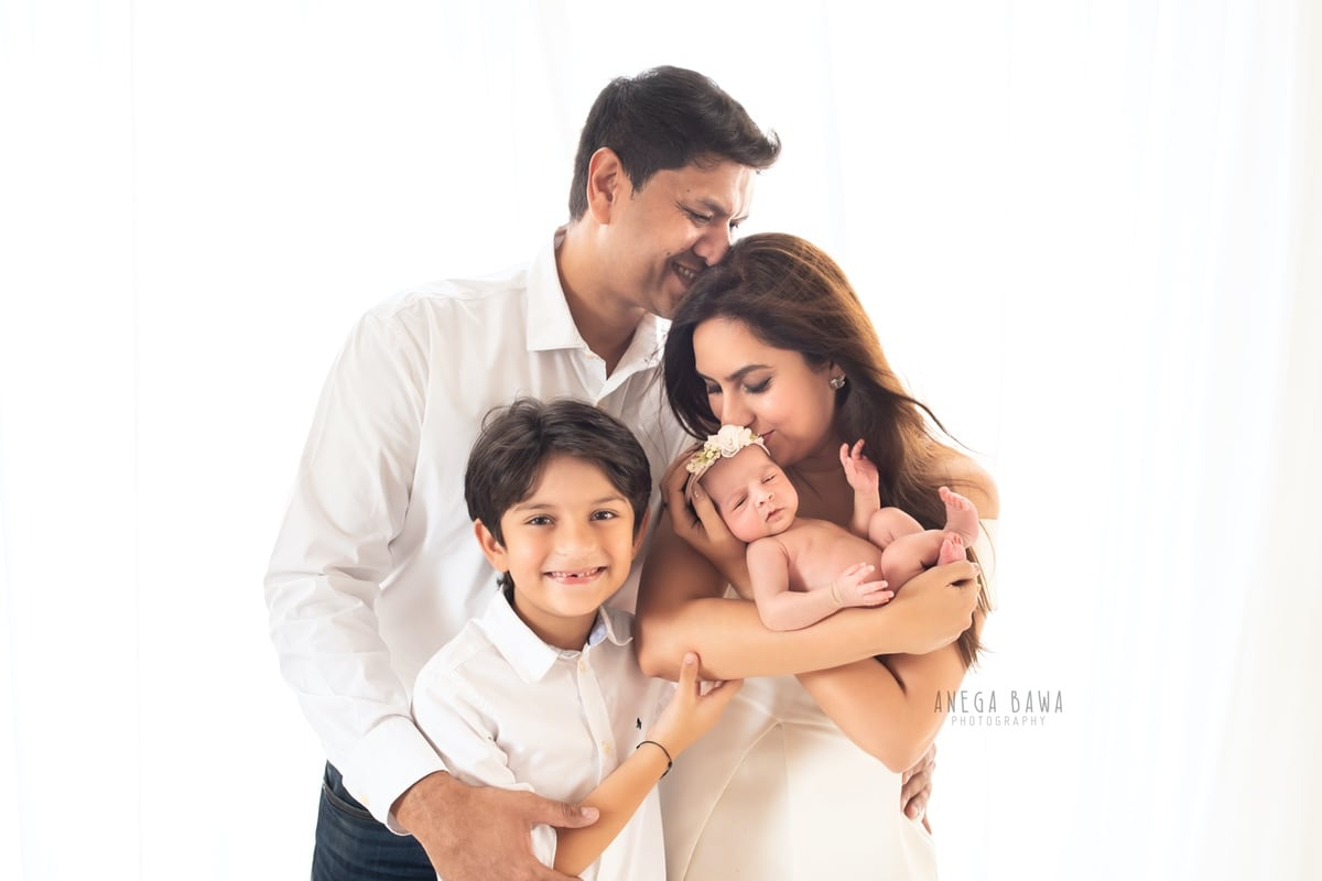 248607-white-background-family-photography-delhi-20-days-baby-boy-photoshoot-gurgaon-anega-bawa