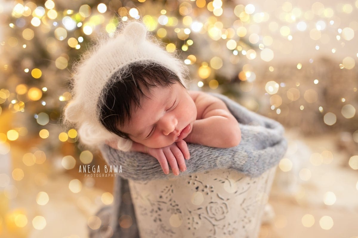 249611-white-christmas-lights-background-white-magical-newborn-photography-delhi-21-days-baby-boy-photoshoot-gurgaon-anega-bawa