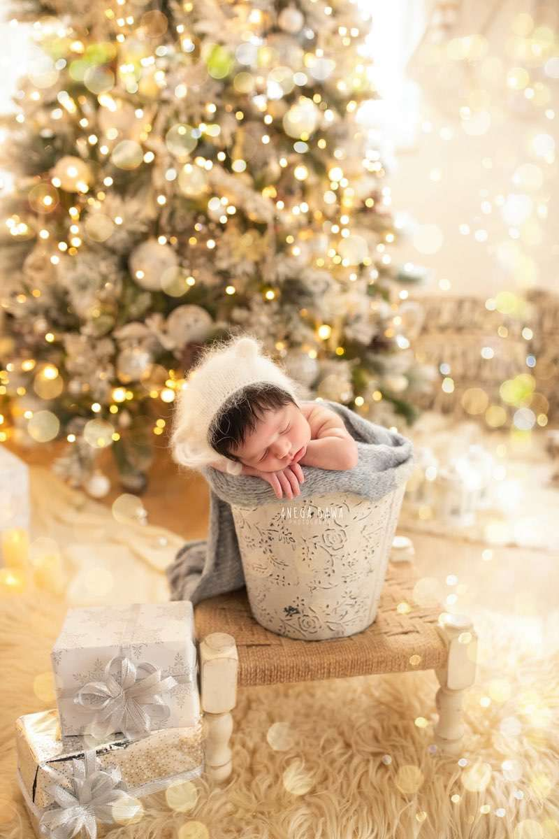 249612-white-christmas-lights-background-white-magical-newborn-photography-delhi-21-days-baby-boy-photoshoot-gurgaon-anega-bawa